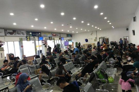 Penumpang Nam Air keluhkan penundaan penerbangan
