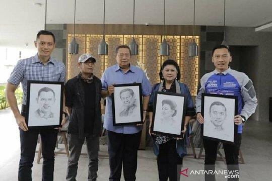 Pelukis Garut bangga buat sketsa wajah Ani Yudhoyono