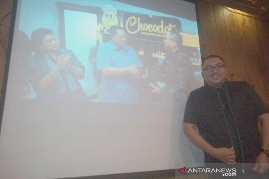 Ibu Negara Ani senang dengan kuliner Chocodot produk UKM Garut