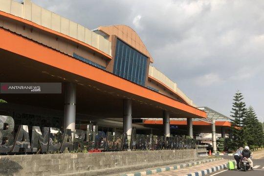 Pengguna angkutan udara ke Malang turun 30 persen