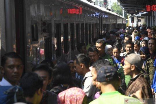 Penumpang kereta api melonjak 10 persen selama Lebaran 2019