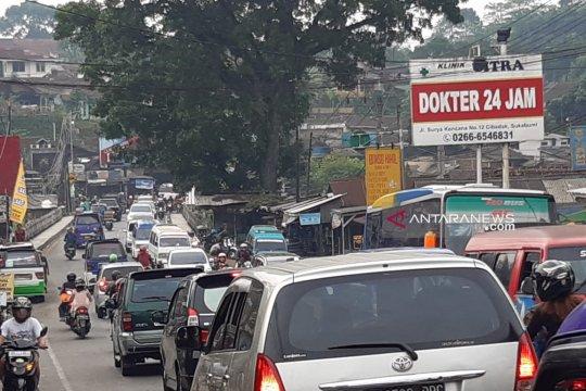 H-2 Lebaran jalur mudik Sukabumi belum ada lonjakan volume kendaraan
