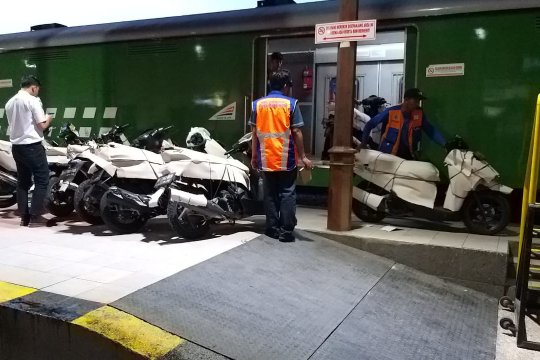 KAI Madiun terima pengiriman 749 motor angkutan gratis Lebaran