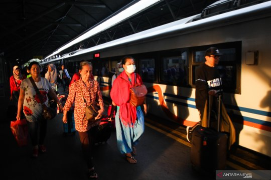 Total penumpang KA Lebaran di Daop Surabaya naik 13 persen