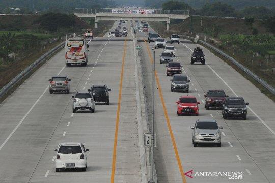 Pakar minta imbangi infrastuktur tol dengan jalur KA