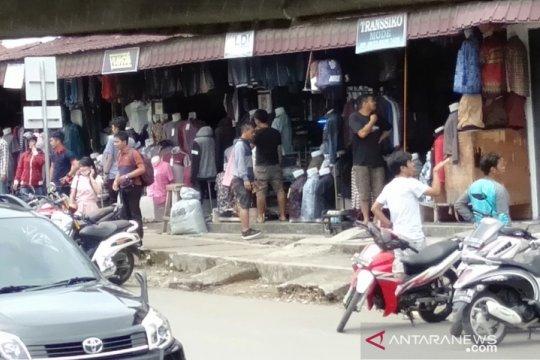 Gempa Nias buat warga panik dan berhamburan
