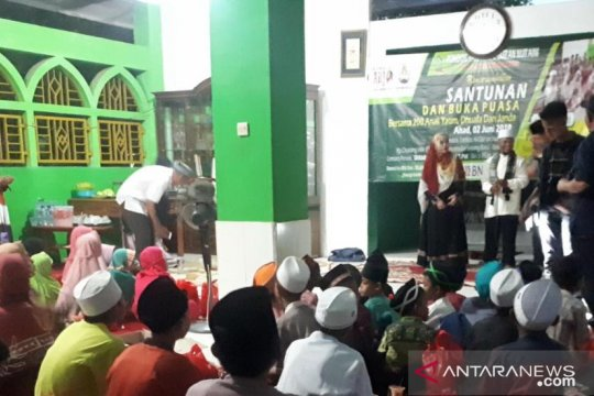 Ponpes tahfidz Quran Nur'aini shalat ghaib doakan Ani Yudhoyono