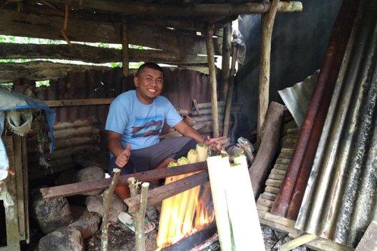 Warga Tanah Datar pertahankan tradisi 'Malamang' jelang Lebaran