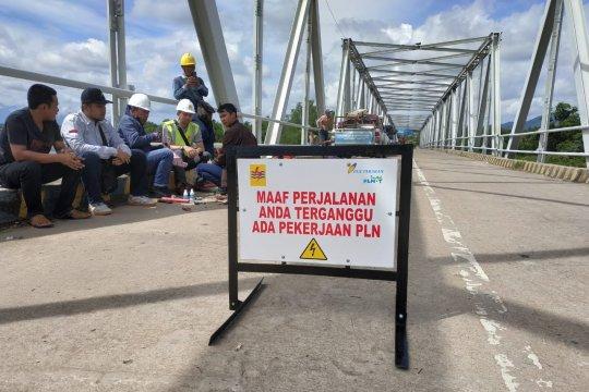 Jaringan bawah air PLN terputus, pemadaman tiga kecamatan