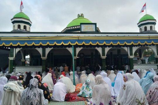 Jamaah Naqsabandiyah di Mataram sudah Idul Fitri