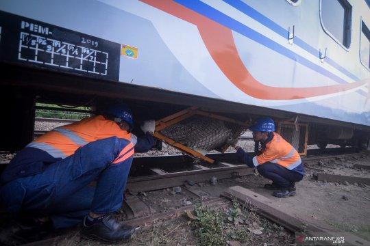 Kereta anjlok di Nagreg