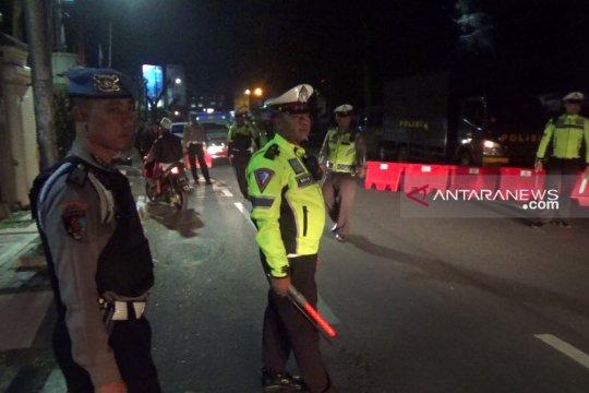 Penjagaan di markas kepolisian Sukabumi diperketat