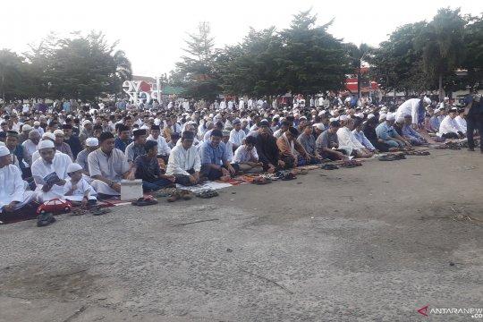 Ribuan warga Pangkalpinang laksanakan sholat Id di Lapangan Merdeka