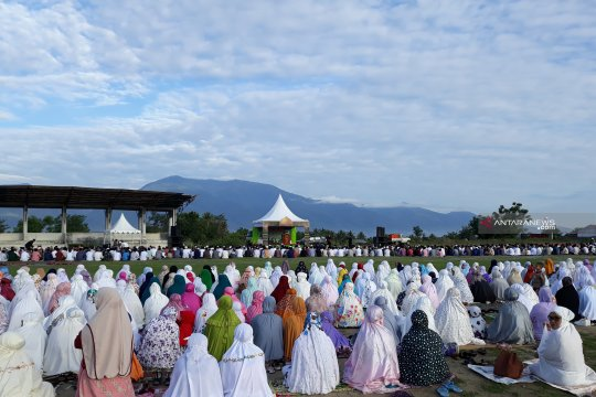 Suku Kaili Ledo di Petobo lakukan 'molabe' di momen Idul Fitri