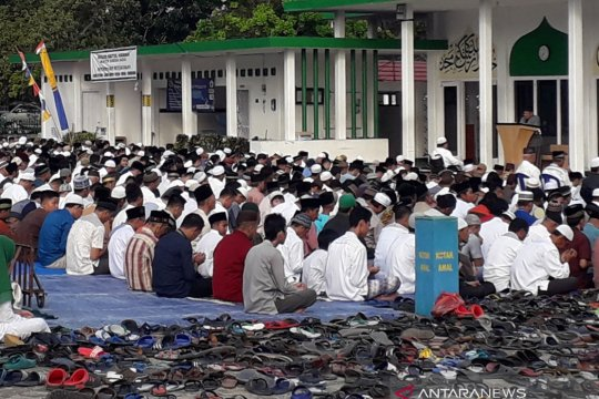 Chat: Idul Fitri adalah hari raya perdamaian