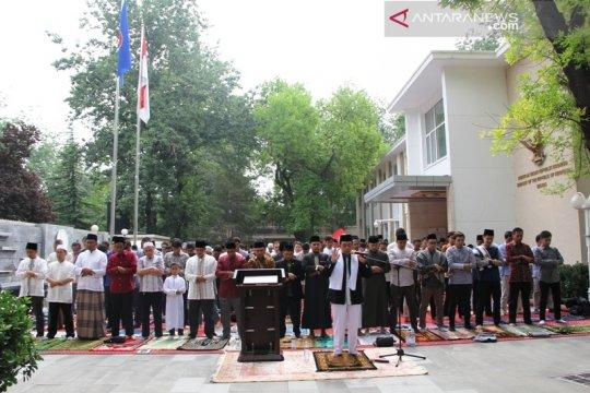 Ratusan WNI ikuti halal bi halal di KBRI Beijing