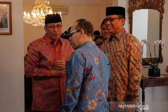 Masyarakat Indonesia di New York nikmati opor ayam Idul Fitri
