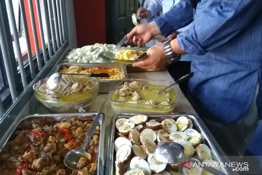 Lapas Pondok Bambu Jakarta Timur suguhkan hidangan opor dan rendang