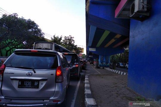 Masuk dan keluar Kota Malang butuh waktu dua jam