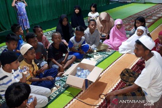 Gema takbir di balik pengungsian korban likuefaksi Balaroa