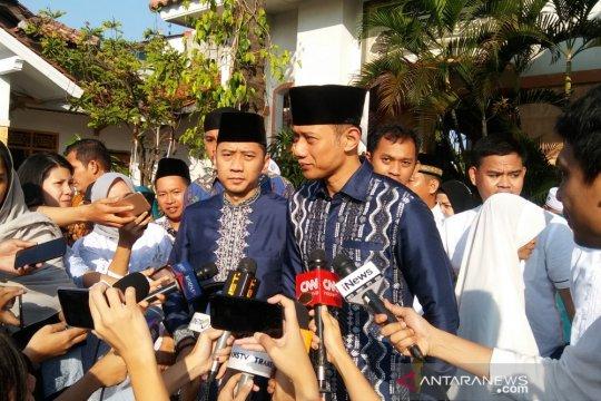 Keluarga SBY serba biru pada Lebaran 2019