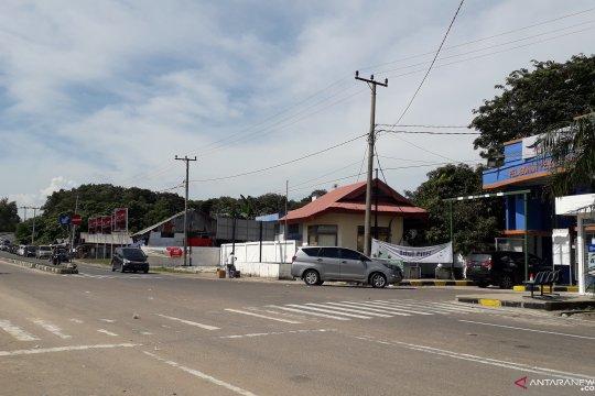 Antrean kendaraan mulai terjadi di Pelabuhan Tanjungkalian