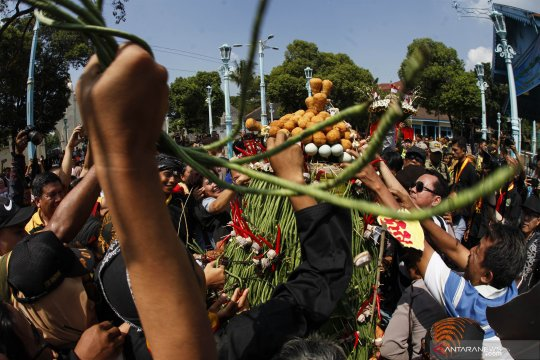 Grebeg Syawal Keraton Surakarta Hadiningrat