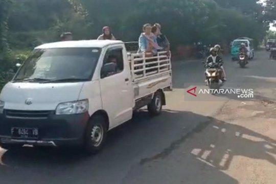 Jalur alternatif Cikidang-Palabuhanratu ramai kendaraan wisatawan