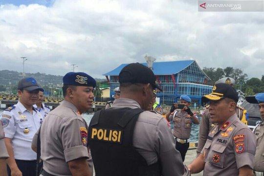 Kapolda Sultra: Tangkap pelaku pembakaran rumah dalam bentrok Buton