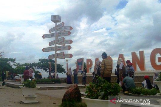 Pantai Padang mulai didatangi wisatawan luar daerah