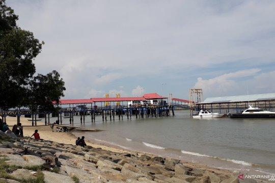 Aktivitas Pelabuhan Tanjungkalian alternatif hiburan anak-anak