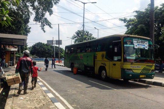 Suasana arus balik belum terlihat di Terminal Kampung Rambutan