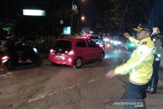 13 kali One Way diberlakukan guna mengurai kemacetan di Lembang