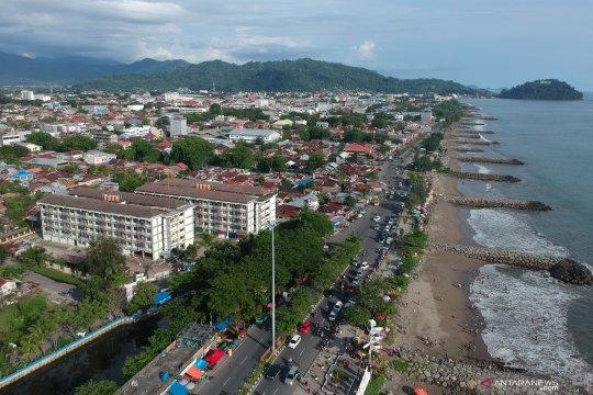 Libur Lebaran di Pantai Padang