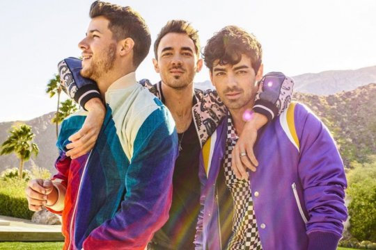 "Jonas Brother akhirnya rilis album ""Happiness Begins"""