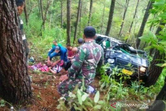 Mobil masuk ke jurang, satu prajurit TNI gugur di Aceh, enam luka-luka
