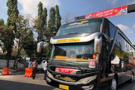 Sekitar 2.000 pemudik diberangkatkan kembali ke Jakarta