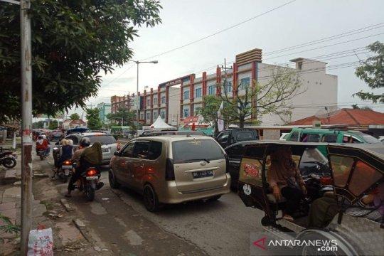 Kemacetan arus balik Tebing Tinggi - Medan mencapai 5 km