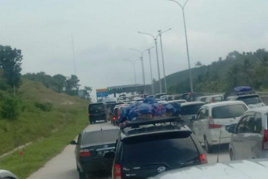 15.000 kendaraan tinggalkan Sumatera melalui tol Bakauheni Selatan