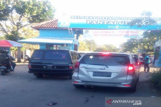 Sebanyak 14.983 wisatawan padati Pantai Glagah di Kulon Progo