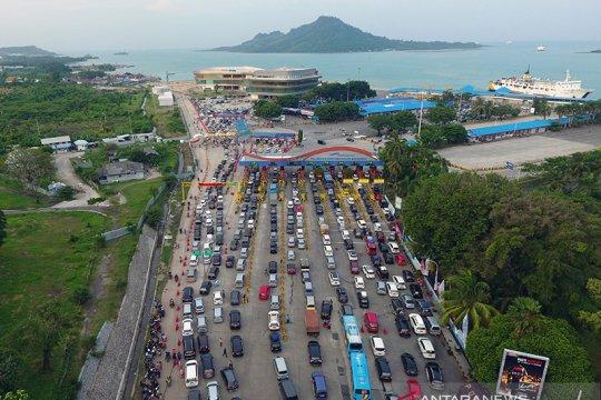 HK: Lebih dari 15 ribu kendaraan menuju Jawa via GT Bakauheni Selatan