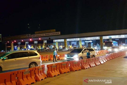 "Polisi berlakukan ""one way"" di ruas Tol Ungaran-Semarang"