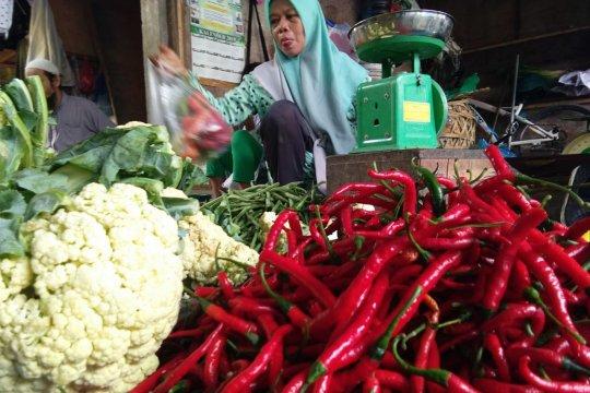Masih Suasana lebaran pasar rakyat di Kota Lhokseumawe belum ramai