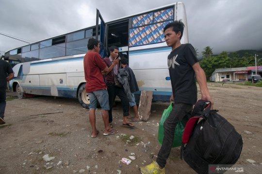 Arus balik di jalur Trans Sulawesi padat