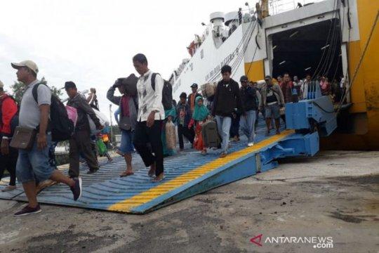 Penumpang kapal laut sebanyak 1.390 orang tiba di Kotawaringin Barat