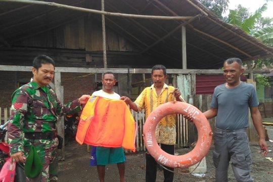 Pelampung KM Lintas Timur ditemukan warga di perairan Banggai