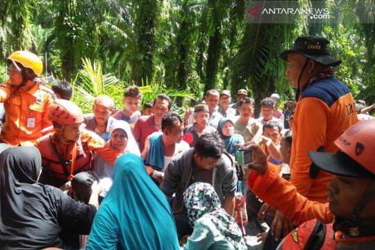 Anak hilang di Sungai Aua Pasaman Barat ditemukan tewas