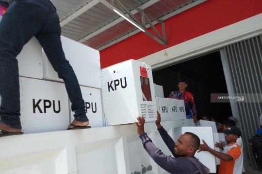 Ribuan surat suara rusak dimusnahkan KPU Maybrat