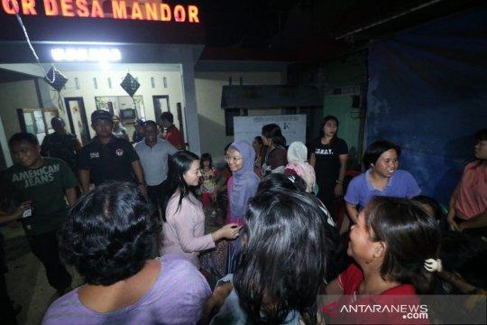 268 KK mengungsi akibat banjir di Mandor