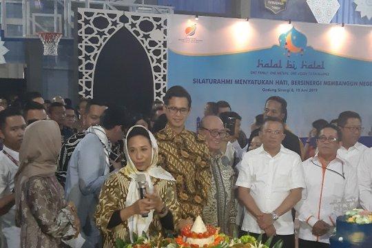 Kementerian BUMN gelar halal bi halal dan rayakan ultah Menteri Rini
